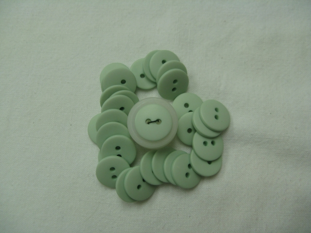 2 Hole Pastel Green